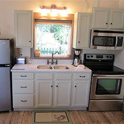 Amish Country Ohio Cottages - Full Kitchen