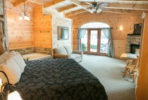 Blue Spruce Suite in Amish Country
