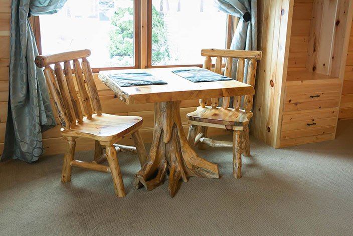 Blue Spruce Amish Country Inn Suite - Dining Table