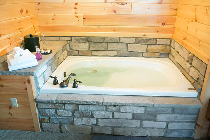 Berlin Ohio Bed and Breakfast Jacuzzi Tub
