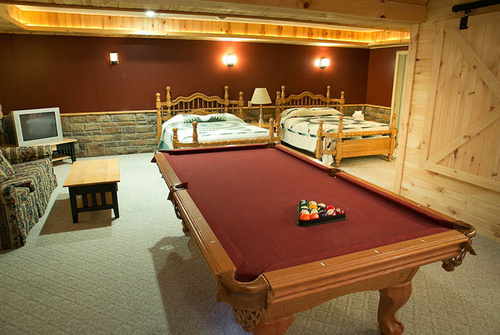 Amish Country Cabins with Pool Table - Sleeps 8