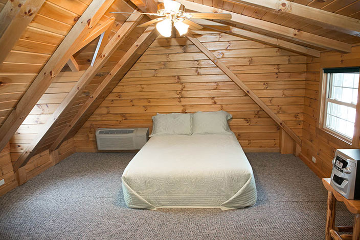 Amish Country Cabin Rental - Beautiful Bedroom