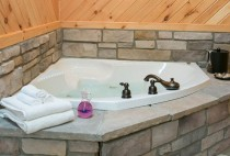 Jacuzzi Tub in an Inn in Berlin, Ohio - Amish Country