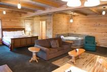 Stunning Amish Country Cabin Rental - Fox's Den Cabin