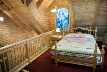 Cabin Rentals in Berlin Ohio - The Hawk's Nest Loft Bedroom