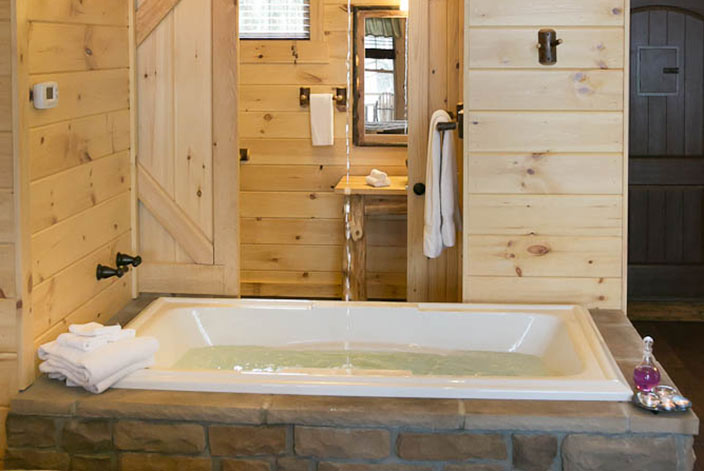 Jacuzzi Tub with Waterfall in a Berlin Ohio Cabin