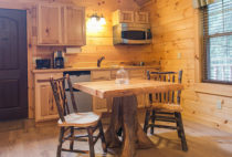 Lofty Willows Tree House kitchen