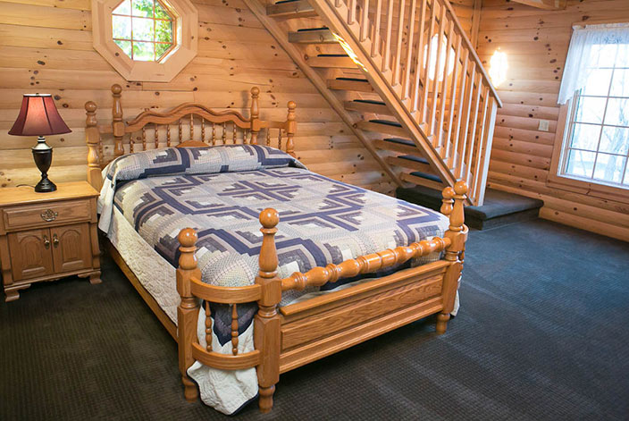 Cabin Rental in Holmes County - Beautiful Bed