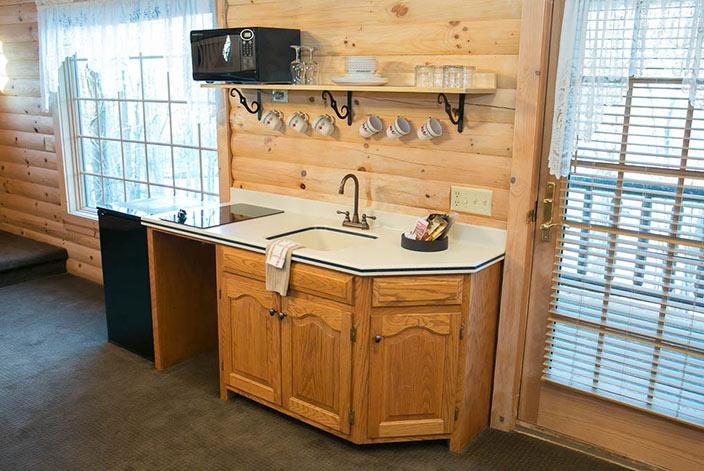 Holmes County Cabin Rentals - Kitchen