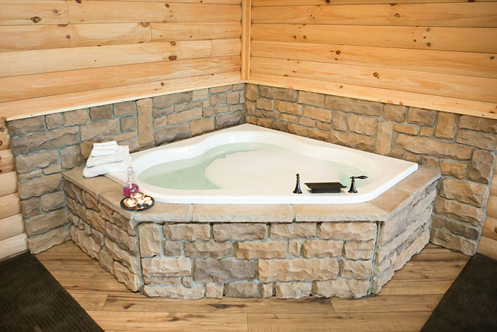 Jacuzzi Tub in Amish Country - Cabin Rental
