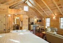 Cabin Rentals in Amish Country - Berlin OH Bed & Kitchen