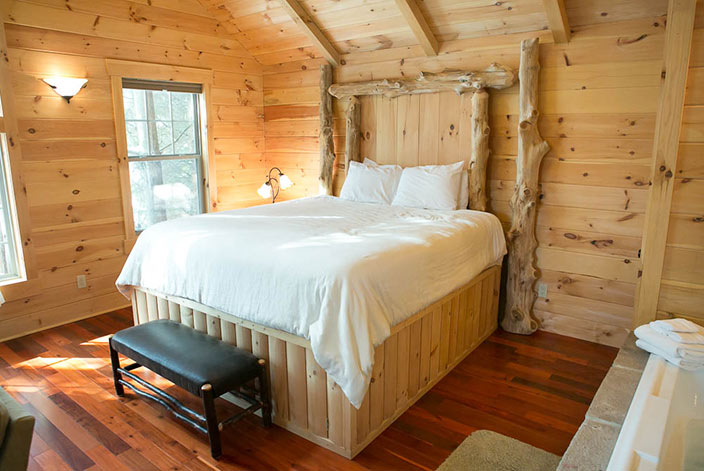 Amish Crafted Bed in a Cabin in Berlin, Ohio