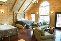 Amish Country Cabin - Luxury Room & Jacuzzi Tub