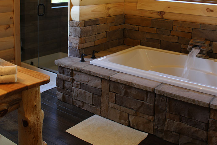 2 Person Jacuzzi Tub in a Berlin, OH Cabin