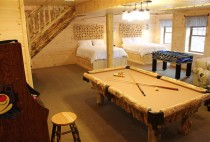Ohio Amish Country Cabin Rentals - Pool Table