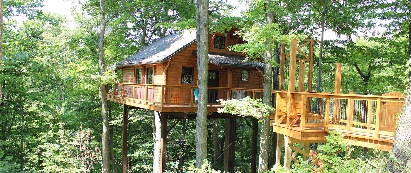 Treehouse Pictures Rustic Treehouse Lodging In Berlin Ohio