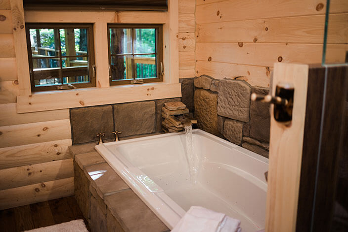 Treehouse #3 bath