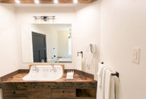 Barn Suite bathroom