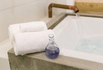 Magnolia Suite bath