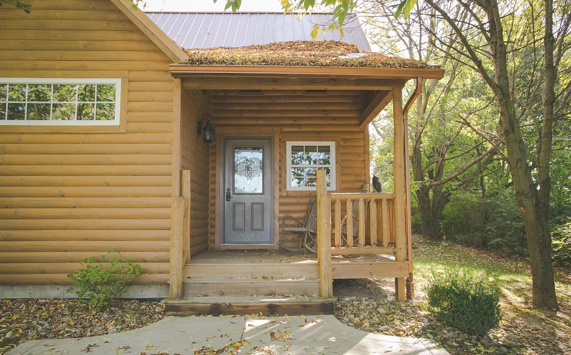 Exterior of Sugar Maple Log Cabin