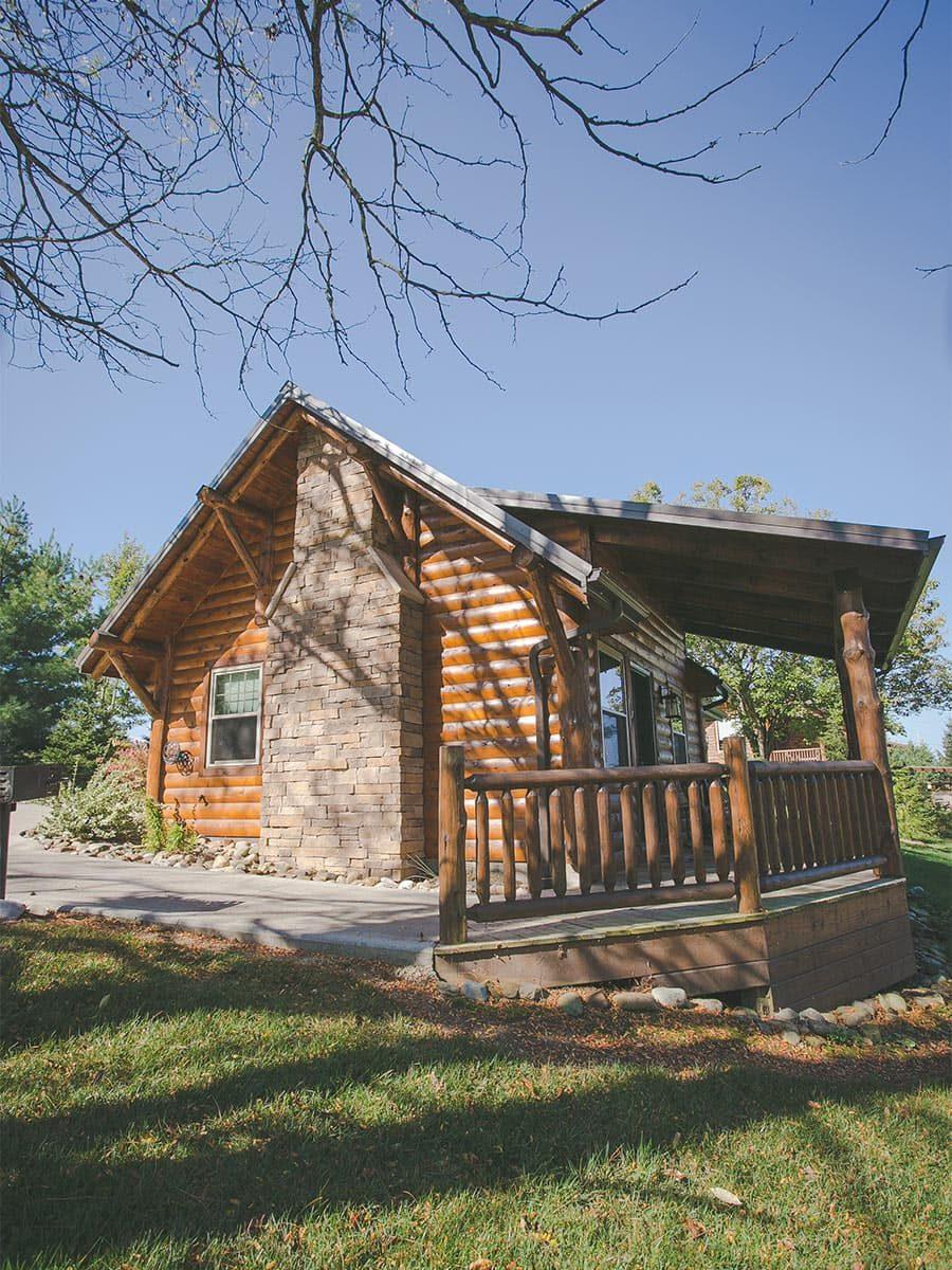 Exterior of Dogwood Log Cabin