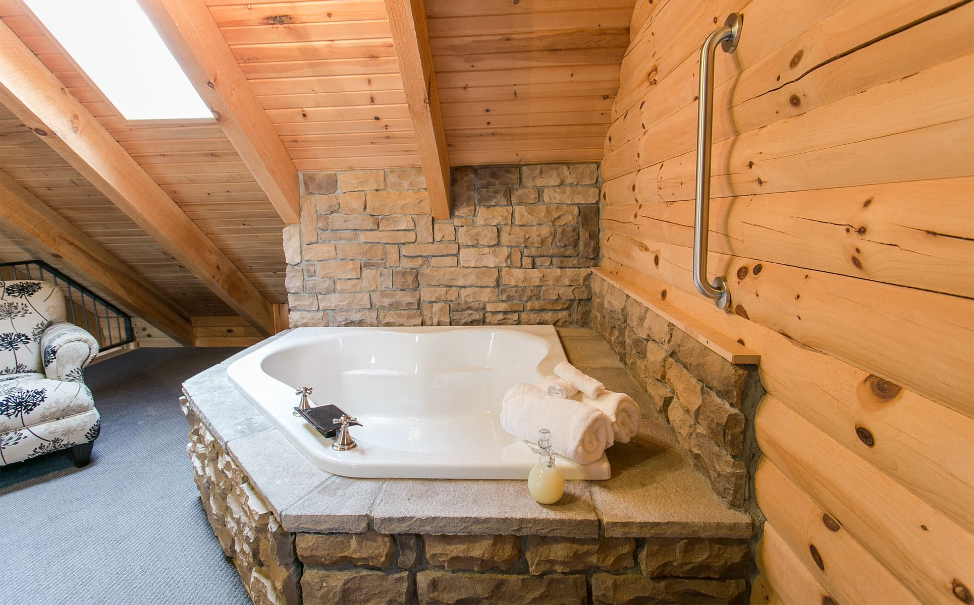 Stone two-person jetted tub