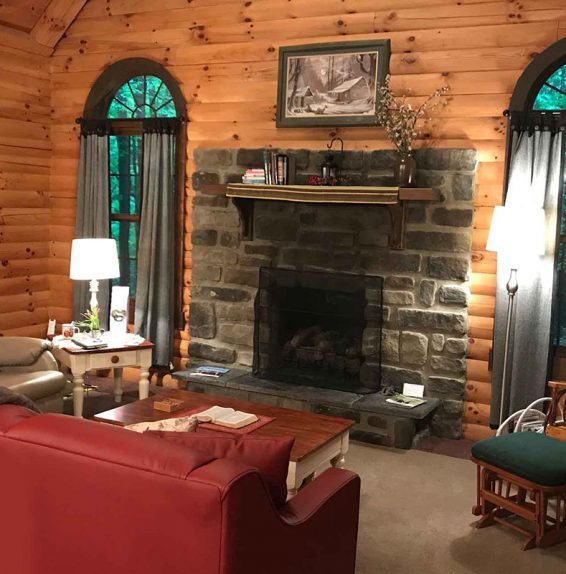 Apple Blossom Cabin living room