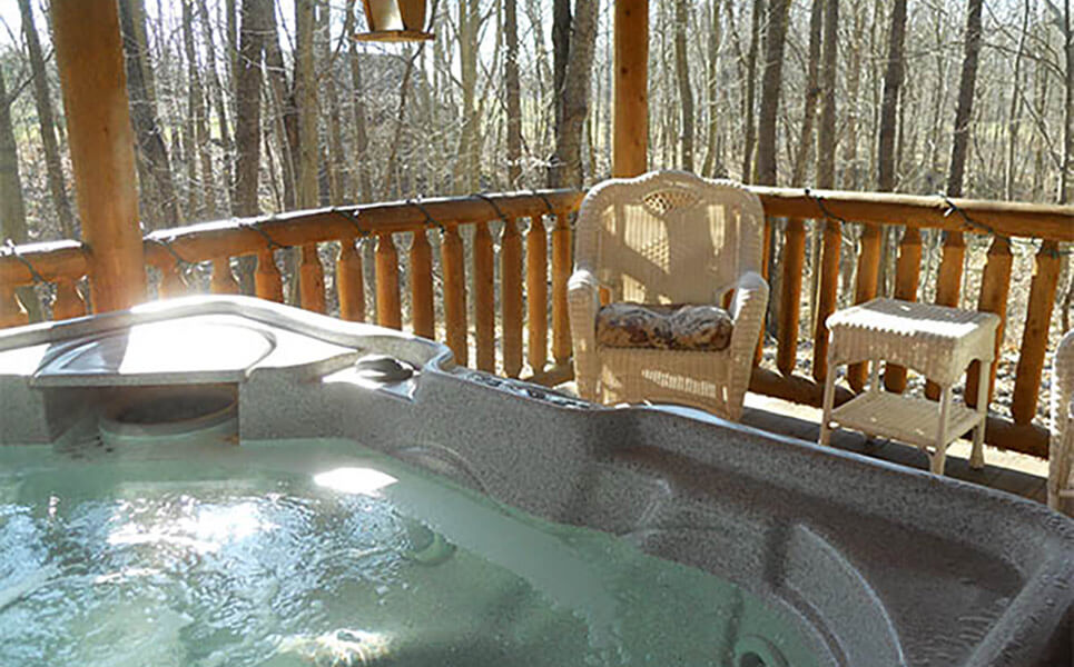 Grapevine Cabin hot tub
