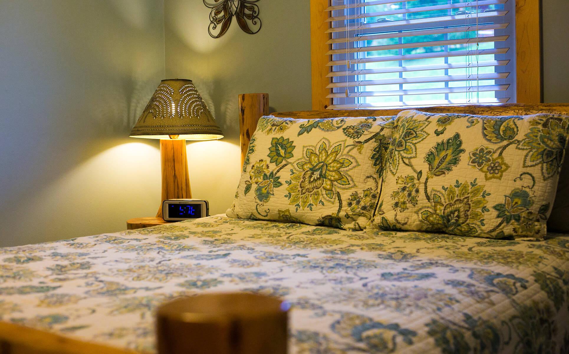 Hope Suite queen bed