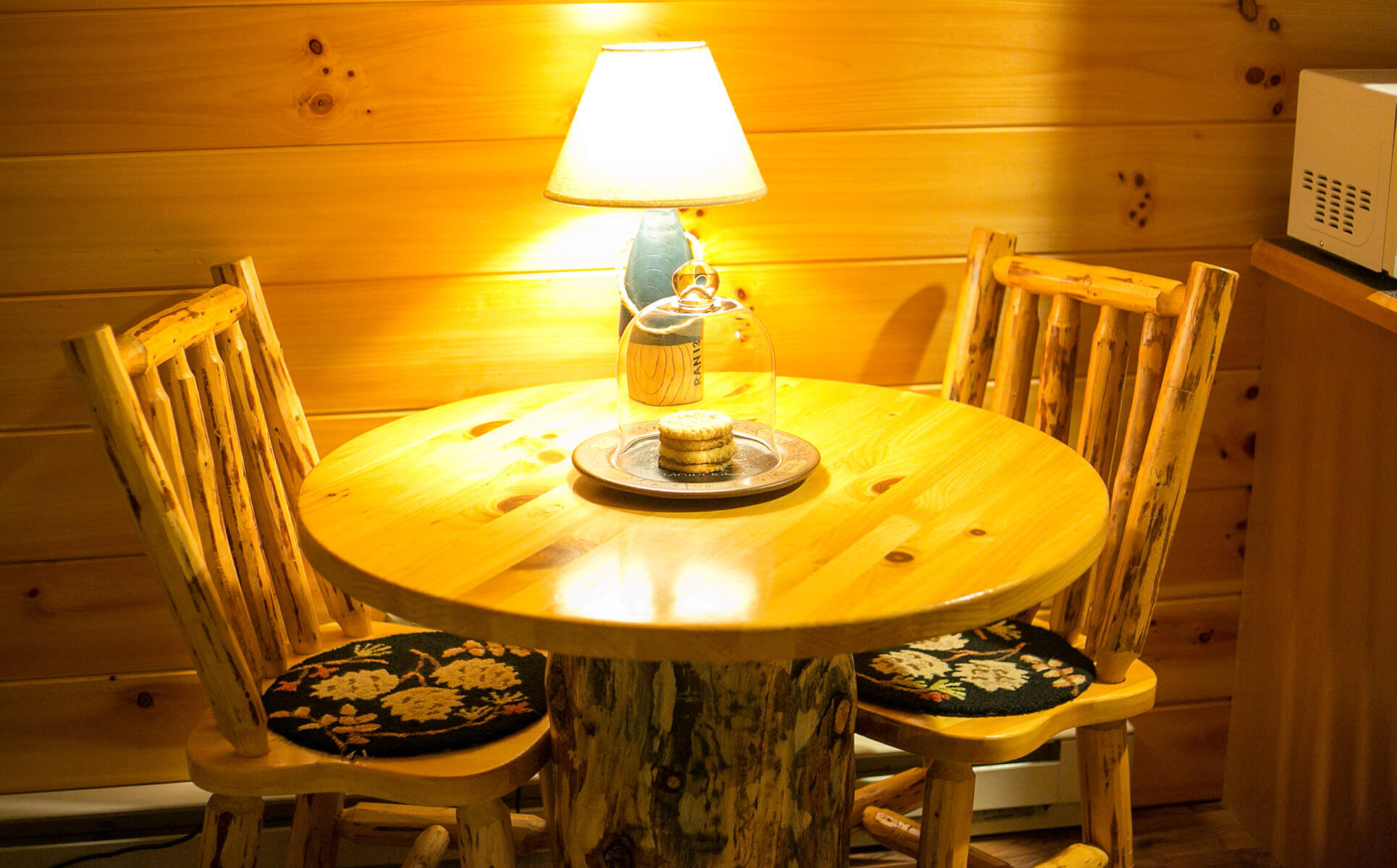 Serenity Suite kitchenette table