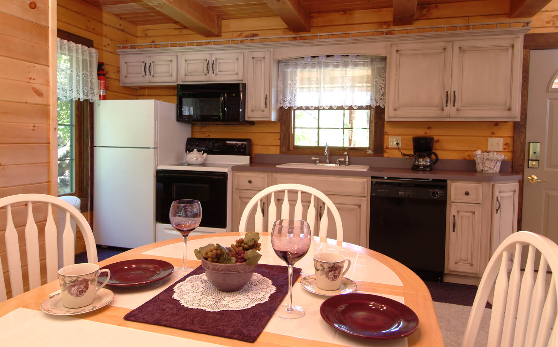 Wild Rose Cabin table and kitchen