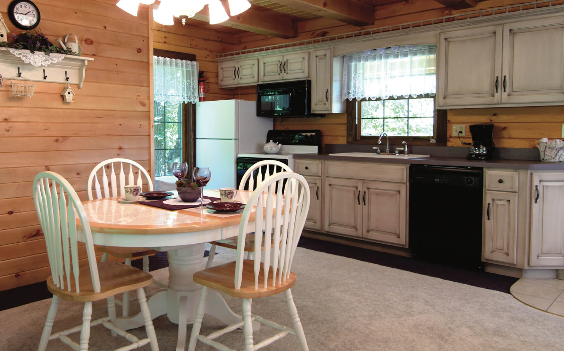 Wild Rose Cabin kitchen