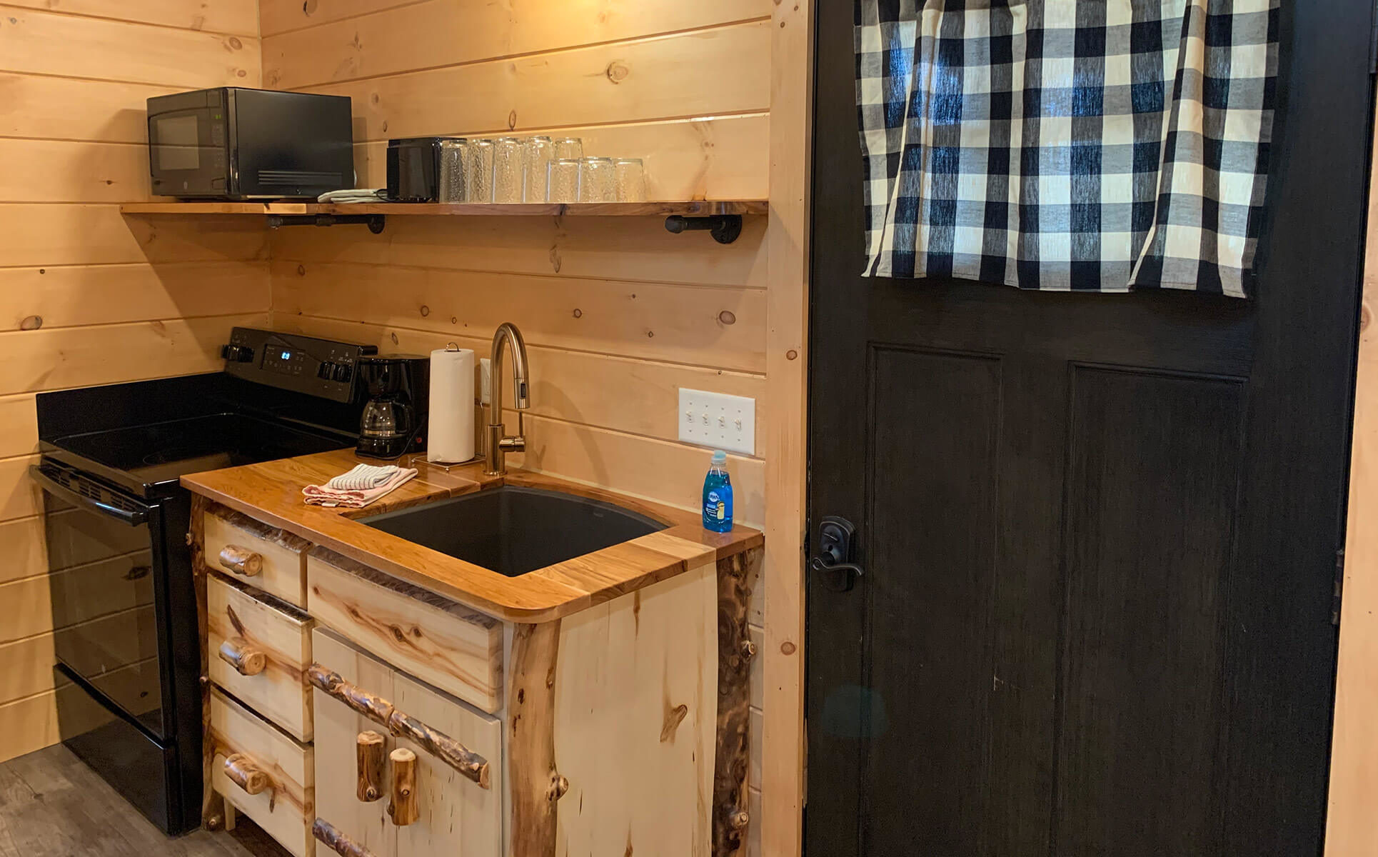 Briarwood Cabin kitchen