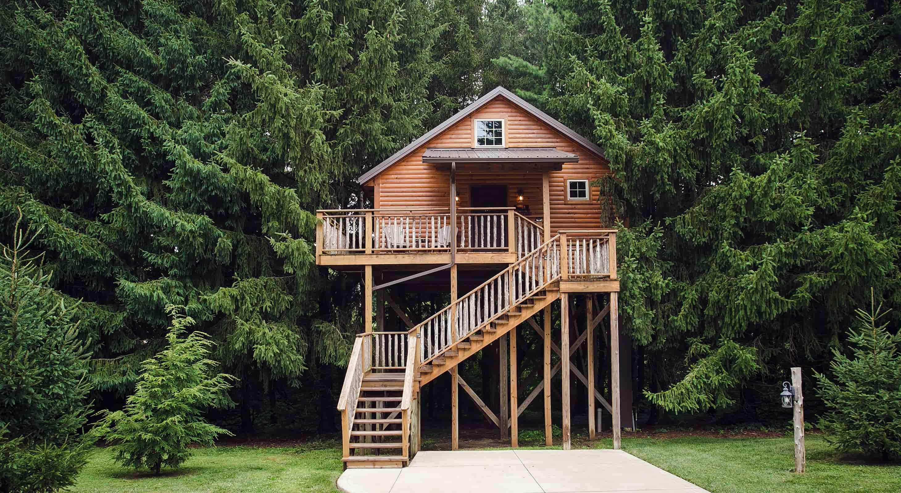 Pine Cove Inn treehouse