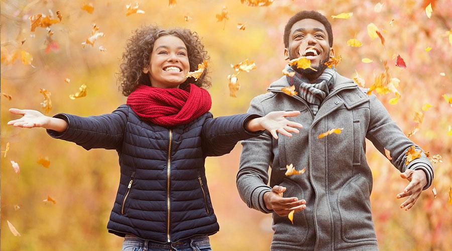 Couple enjoying foliage on an Ohio fall getaway
