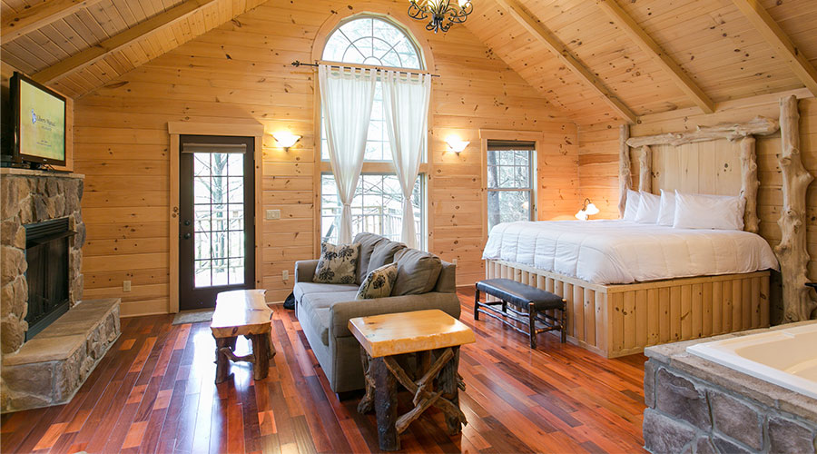 Pine Cove Inn cabin with fireplace and soaking tub